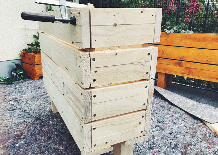 DIY: Einen Blumenkasten aus Holz selber bauen - balkon ...